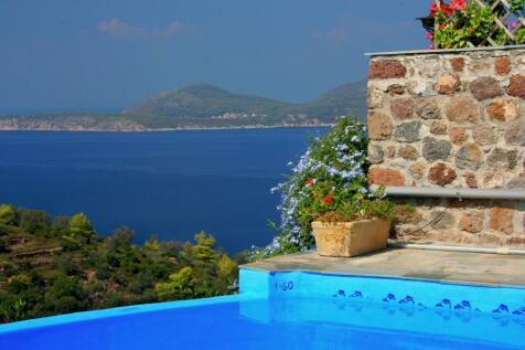 Iliokastro, Argolis, Peloponnese. 6 bedroom house for sale