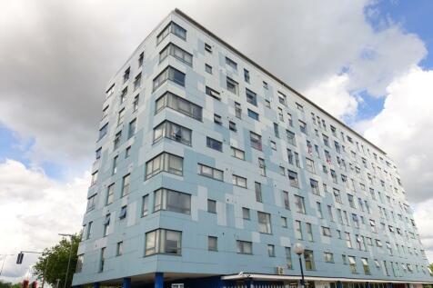 Stephenson House, Bletchley, Milton Keynes, MK2. 1 bedroom terraced house