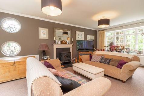 Castle Square, Bletchingley. 4 bedroom detached house for sale