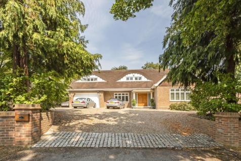 Vicarage Way, Gerrards Cross. 4 bedroom detached house for sale
