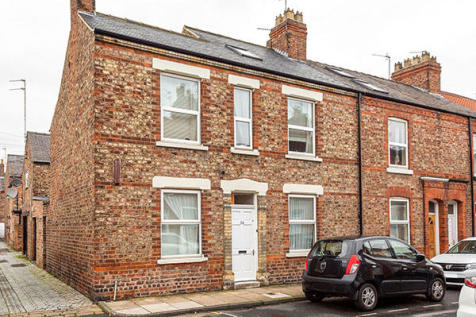 Gordon Street, York, YO10. 4 bedroom end of terrace house