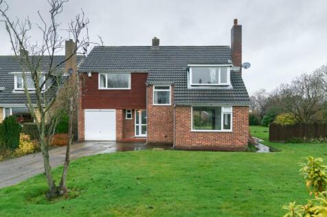 West Dene, Leeds, LS17. 4 bedroom detached house
