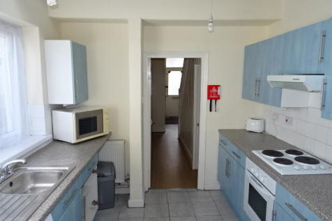 Meadow Street, Treforest. 4 bedroom house share