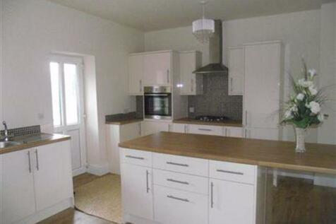 Hollymount Avenue, Bedlington. 3 bedroom end of terrace house