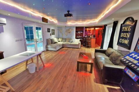 Pennyfine Road, Sunniside. 4 bedroom semi-detached house for sale