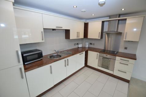 Hall View, Chatsworth Road, Chesterfield, S40. 2 bedroom apartment
