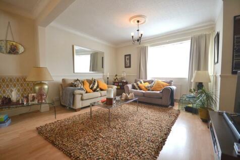 Monks Park Road, Abington, Northampton, NN1. 3 bedroom terraced house