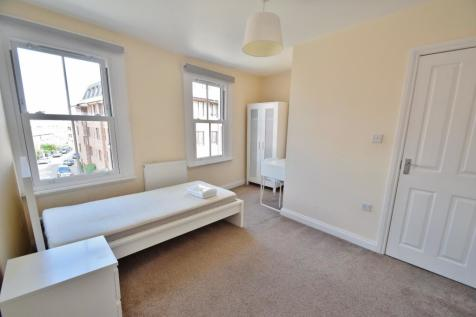 Winchester City Centre. 4 bedroom flat