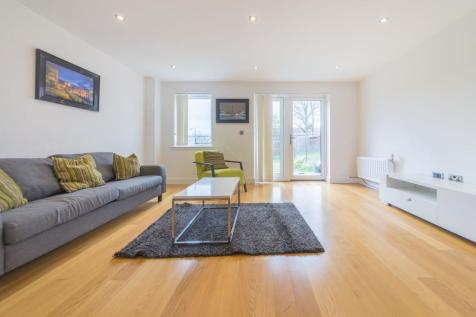 Fairthorn Road, Charlton, London, SE7. 3 bedroom terraced house