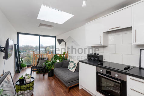 Munster Road, London, SW6. 1 bedroom flat