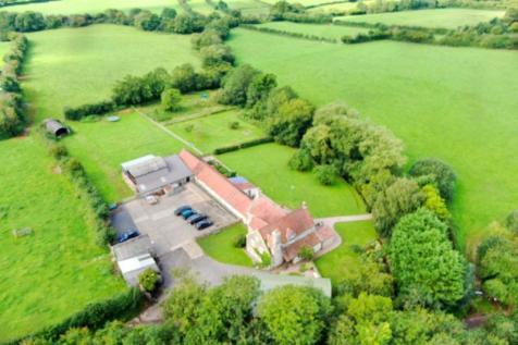 Between Winford and Chew Magna, Bristol. 5 bedroom detached house