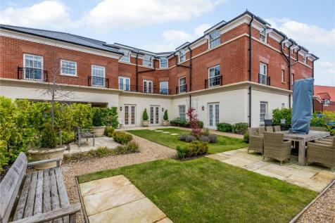 Fleur De Lis, Dairy Walk, Hartley Wintney, Hook. 1 bedroom retirement property for sale