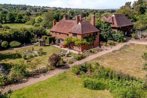 Allens Lane, Plaxtol, Sevenoaks, Kent. 5 bedroom equestrian facility for sale