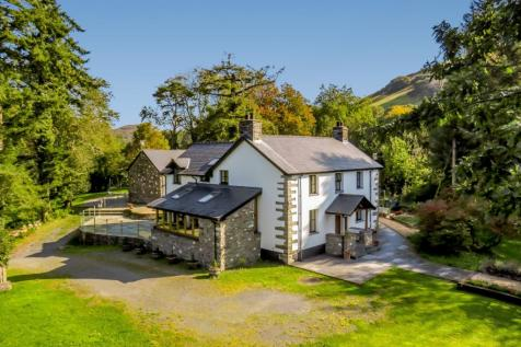 Pennal, Machynlleth, Powys. 5 bedroom detached house for sale