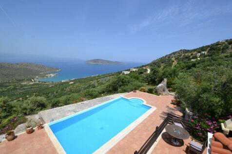 Crete, Lasithi, Kavousi. 4 bedroom villa for sale
