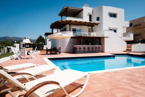 Crete, Lasithi, Áyios Nikólaos. 3 bedroom house for sale