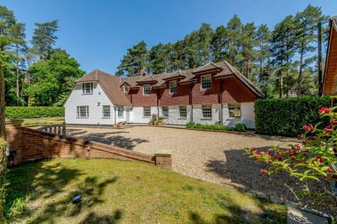 Botany Hill, The Sands, Farnham, Surrey. 4 bedroom detached house for sale