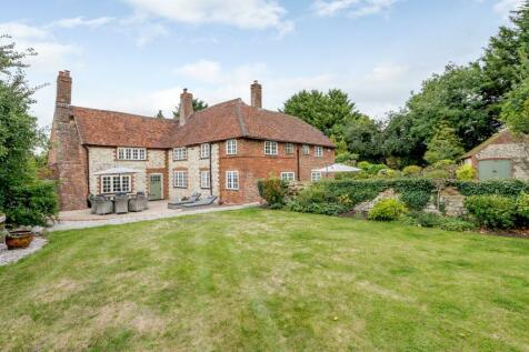 Tongham Road, Farnham, Surrey. 5 bedroom detached house for sale