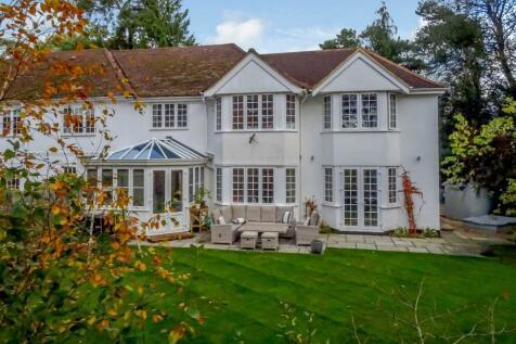 2D Vicarage Hill, Farnham. 4 bedroom semi-detached house for sale