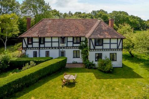 Pipers Lane, Harpenden, Hertfordshire. 4 bedroom detached house for sale
