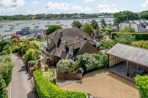 Green Lane, Hamble. 5 bedroom detached house for sale