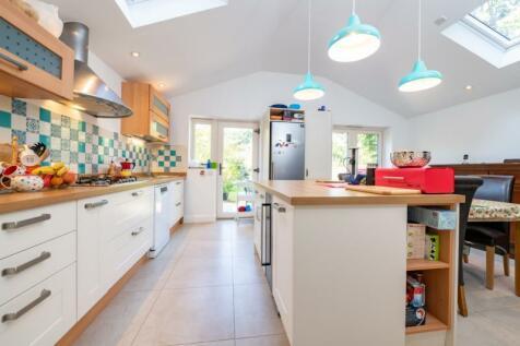 Carlton Road, Oxford, Oxfordshire. 3 bedroom semi-detached house