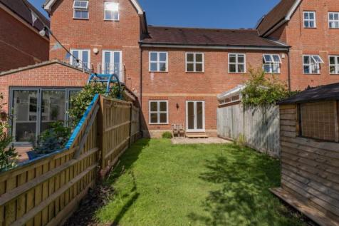 The Villas, Rutherway, Oxford, Oxfordshire. 3 bedroom terraced house