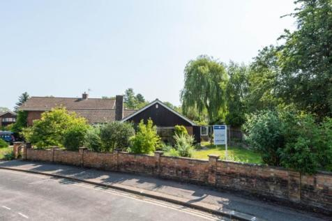 Hawkswell Gardens, Oxford, Oxfordshire. 2 bedroom detached bungalow