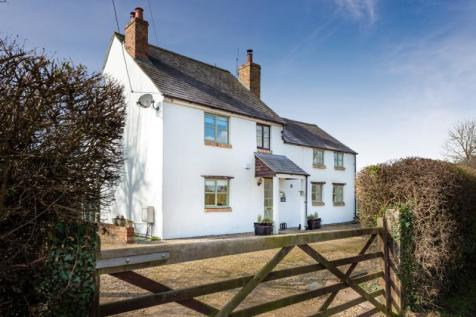 Water Eaton Lane, Gosford, Kidlington, Oxfordshire. 4 bedroom detached house