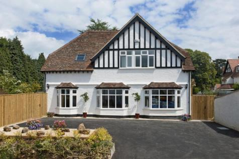 The Lodge, Fox Lane, Boars Hill, Oxford, Oxfordshire. 4 bedroom detached house