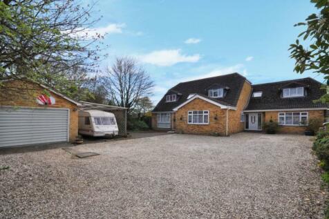 Banbury Road, Kidlington, Oxfordshire. 7 bedroom detached house