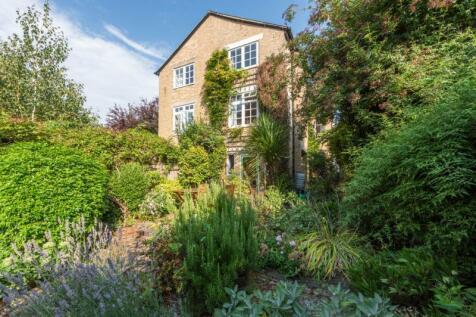 Hamilton Road, Oxford, Oxfordshire. 6 bedroom semi-detached house