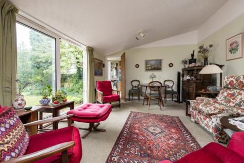 Riddell Place, Oxford, Oxfordshire. 3 bedroom detached bungalow