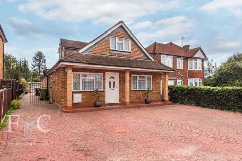 West Cheshunt, Hertfordshire, EN8 property