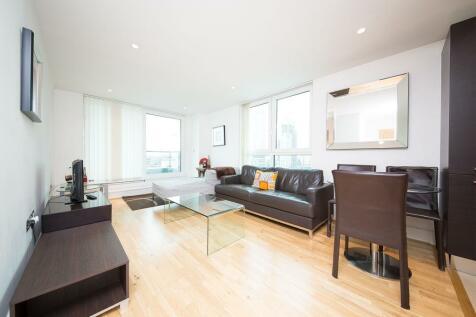 Kestrel House, 2 St George Wharf, Vauxhall, London, SW8. 1 bedroom apartment