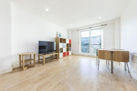 Drake House, St George's Wharf, Vauxhall, London, SW8. 2 bedroom apartment