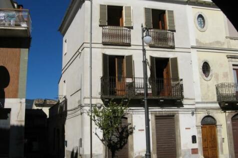 Abruzzo, Pescara, Tocco da Casauria. 2 bedroom character property