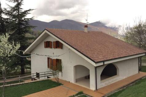 Abruzzo, Pescara, Villa Celiera. 6 bedroom villa