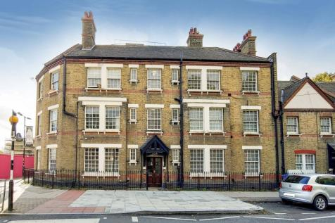 Portland Street, Walworth, London, SE17. 2 bedroom flat for sale