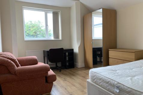 Colum Road, CARDIFF. Studio apartment