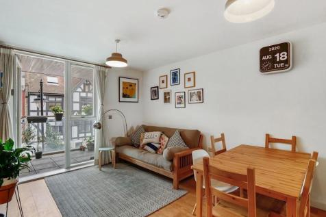 Queens Court, Old Jamaica Road. 1 bedroom apartment for sale