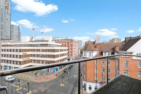 Worcester Point, Central Street, Clerkenwell, London, EC1V. 3 bedroom apartment