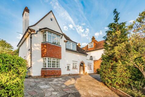 Oakwood Avenue, Beckenham. 4 bedroom detached house