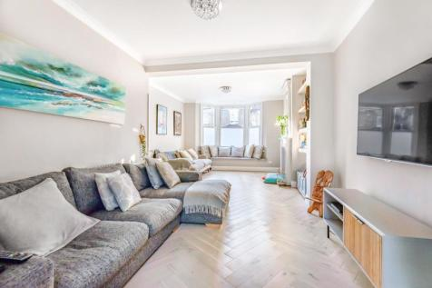 Rainton Road, Charlton. 4 bedroom end of terrace house for sale