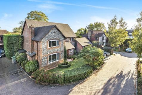 Piermont Place, Bickley. 5 bedroom detached house