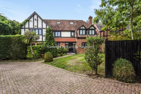 Berryfield Close, Bromley. 5 bedroom detached house for sale