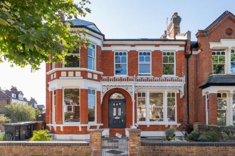 Mount View Road, Stroud Green. 3 bedroom flat for sale