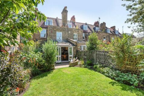 Stapleton Hall Road, Stroud Green. 5 bedroom terraced house