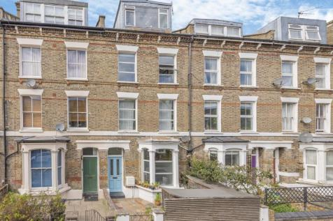 Moray Road, Stroud Green. 6 bedroom terraced house for sale