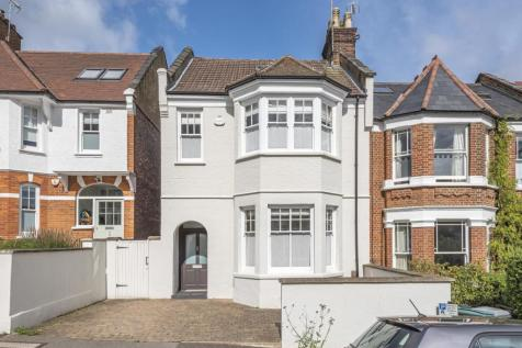 Glasslyn Road, Crouch End. 5 bedroom end of terrace house for sale